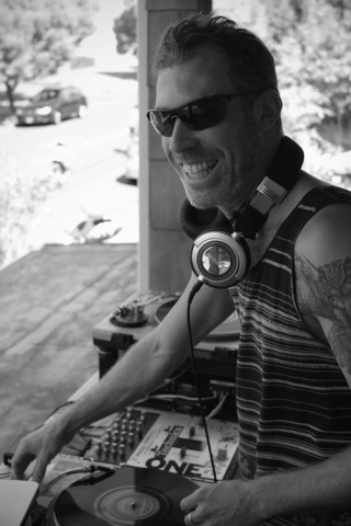 RS.DJ